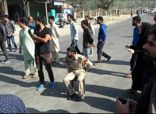 Cop Arrested foe taking pic of women 2