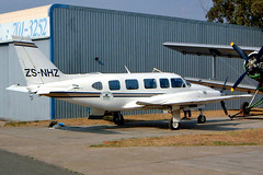 ZS-NHZ   Piper PA-31-350 Navajo Chieftain [31-7305082] Lanseria~ZS 05/10/2003