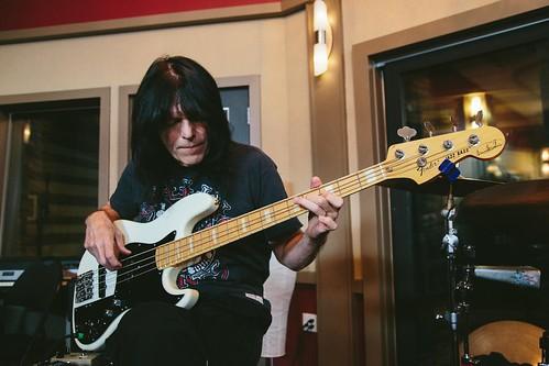 Rudy Sarzo - Bass