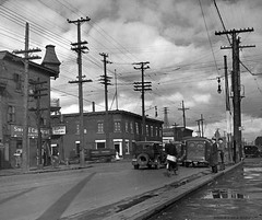 Pointe-Saint-Charles. Rue Wellington (intersection de Bridge). 1937. VM98-Y_4P036. Archives de la Ville de Montréal.