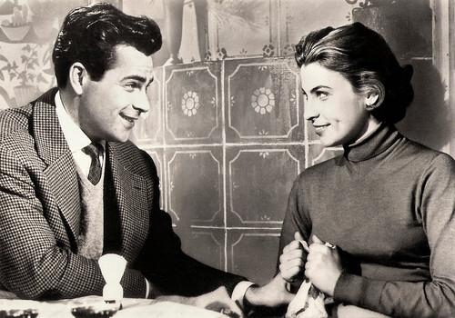 Doris Kirchner and Adrian Hoven in Lügen haben hübsche Beine (1956)