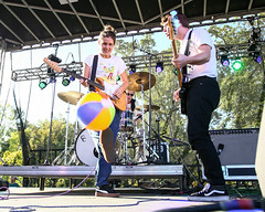 Middle Kids Live at Buzz Beach Ball 2017