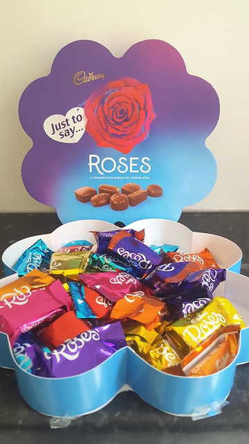 Cadbury Roses Flower Gift Box