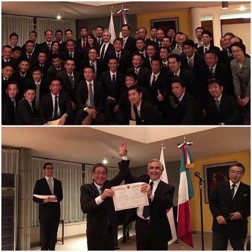 Rescatistas japoneses reciben reconocimientos en la Embajada de México en Tokio