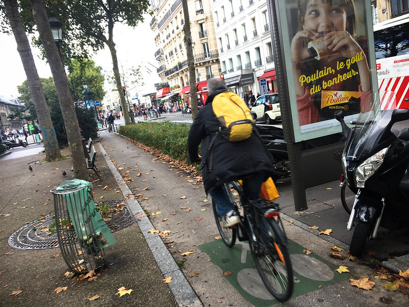 Paris bikes and street scenes-20.jpg