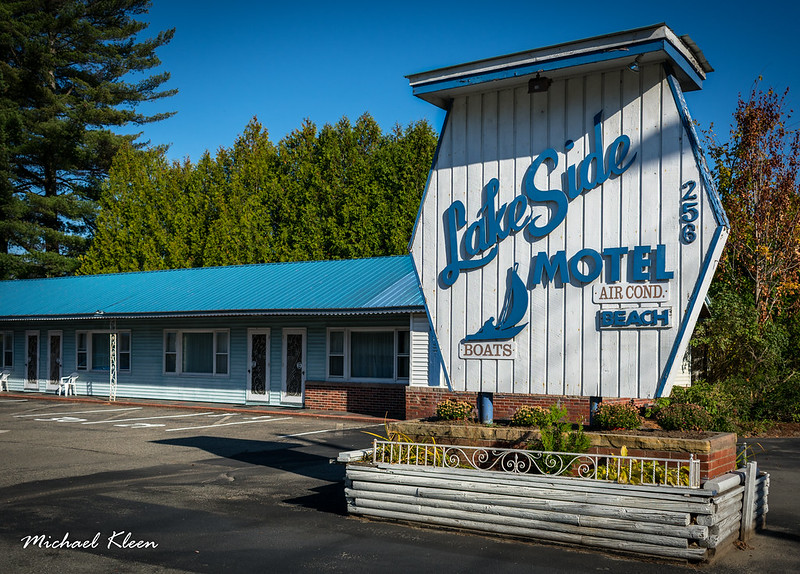 Lake Side Motel