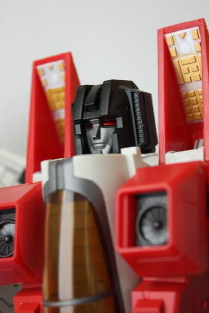 [ROBOT HERO] CG-01 STARSCREAM