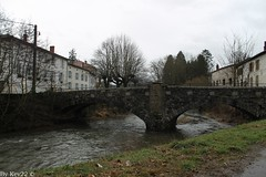 Pont sur le Rhins - Régny - Photo of Lay