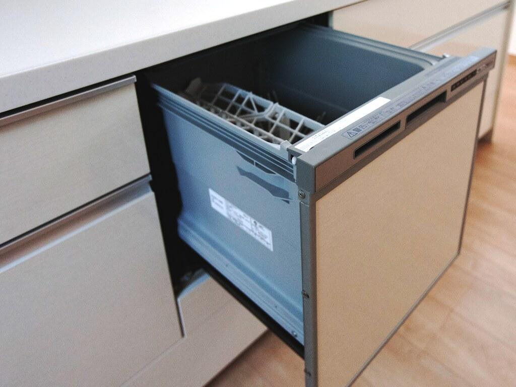 乾燥機つき食器洗浄機