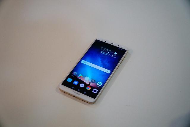 Huawei Nova 2i Exterior Photos