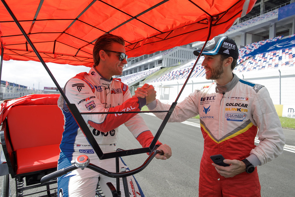 GUERRIERI Esteban (arg) Chevrolet RML Cruze team Campos racing ambiance portrait and CHILTON Tom (GBR) Citroen C Elysée team Sébastien Loeb Racing ambiance portrait   during the 2017 FIA WTCC World Touring Car Championship at Ningbo, China, October 13 to 15 - Photo Frederic Le Floc'h / DPPI