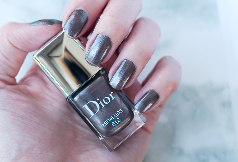 stylelab-dior-fall-2017-makeup-le-vernis-612-metallics-nail-polish-swatches