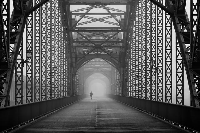 Alte Harburger Elbbrücke bei Nebel 5