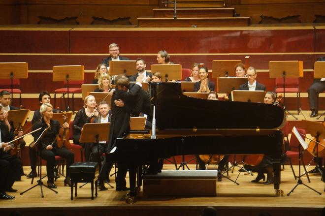 貝多芬「皇帝與田園‧合唱之夜」除了致敬的音樂奇才貝多芬的經典創作,亦致敬打破國界與距離藩籬的音樂力量