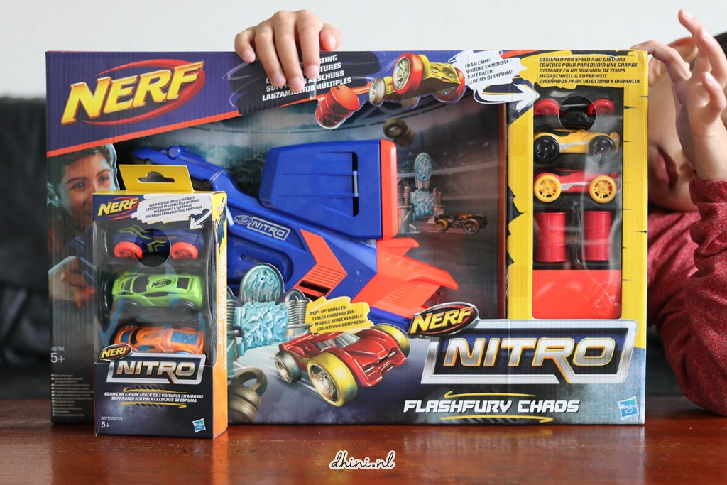 NERF NITRO FlashFury Chaos set & Nerf Nitro Foam Car set