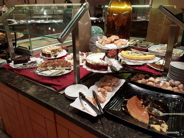 Vinnie Zucchini's Italian Buffet Pasticceria