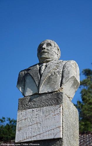 Monumento a Joaquim dos Santos - São João do Monte - Portugal  🇵🇹