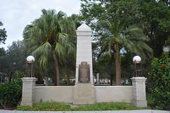 St Petersburg, FL - Williams Park - WW I Memorial