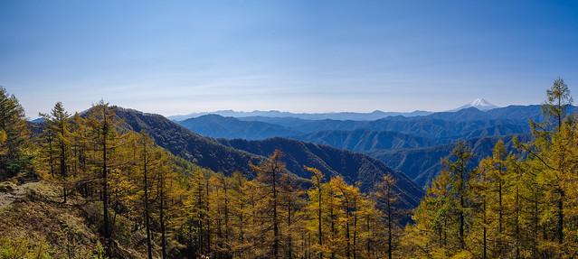 富士山と丹沢の山々