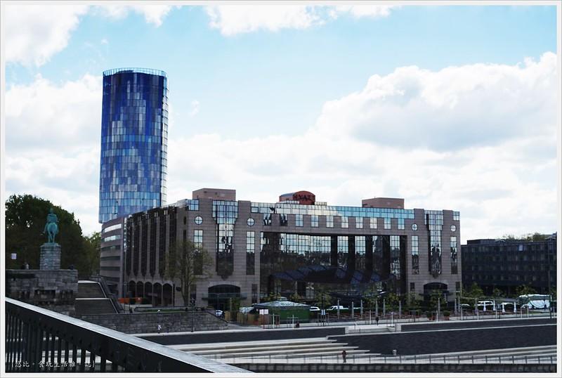 科隆-霍亨索倫橋-15-三角大樓