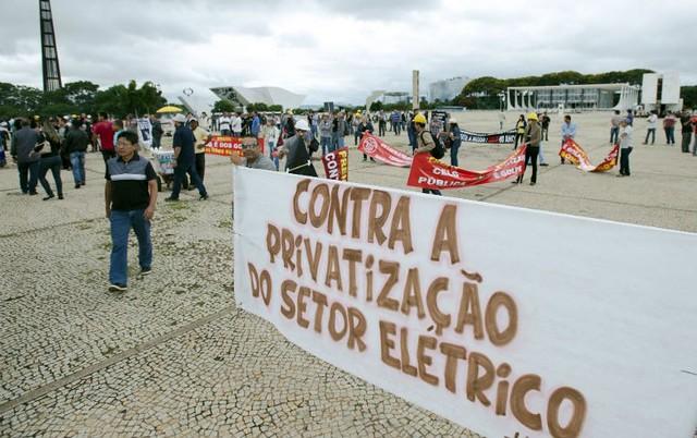 Trabalhadores são contra a privatização: modelo que governo quer adotar prejudica universalização do serviço - Créditos: Marcelo Camargo/Agência Brasil