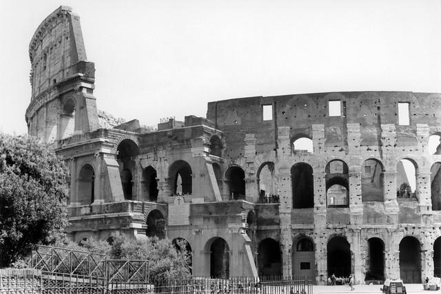 Colosseum b/w