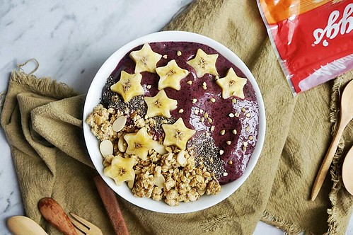 3.Vege smoothie bowl  (twinkle stars)