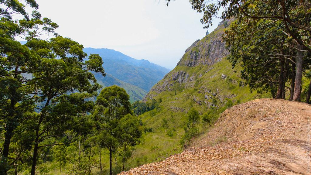 26.06-Ella-Rock-Sri-Lanka-canon-1500px-014