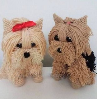 🐶🐶💕 as I loved this crocheted puppies, very charming and gorgeous see only the step by step of this pattern. I loved it a lot