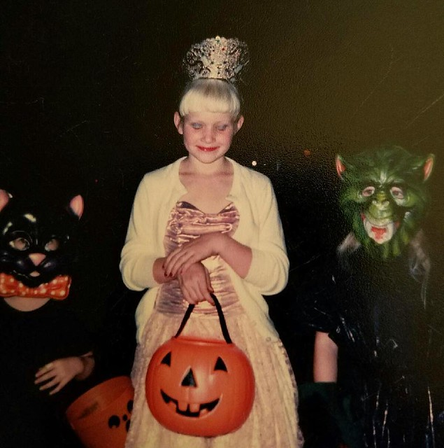 Halloween #fbf: Little Lizzy as a princess in a Gunne Sax dress with my two neighborhood BFFs Samantha and Alexis. Boy did I love to boss those two around! 👻