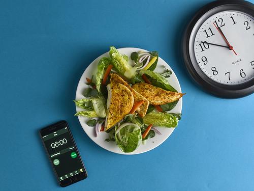 Cajun chicken with crunchy veg salad