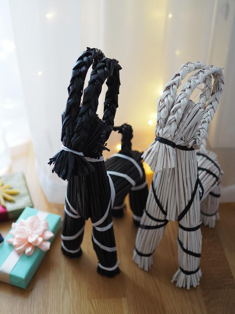 musta ja valkoinen olkipukki