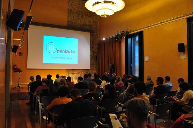 Especial Drinks & Data 1er Aniversari + Presentació 50Usos OpenData