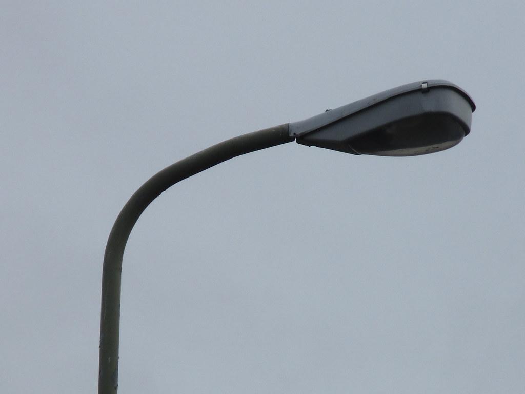 Philips Lampen Armaturen : Philips hrp12 armaturen worden vervangen in den haag is meu2026 flickr