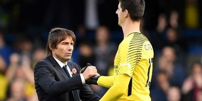 Para Pemain Chelsea Berjuang Selamatkan Antonio Conte
