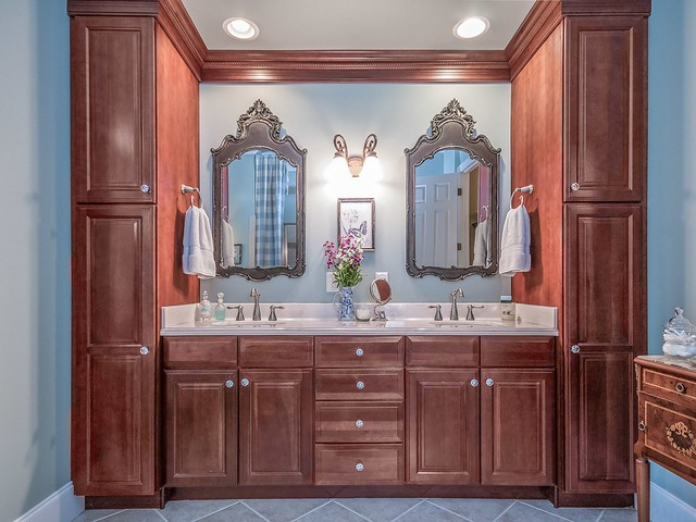 Master Bathroom vanity-Housepitality Designs