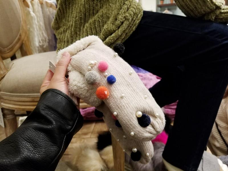 pom-pom-gloves-mittens-10