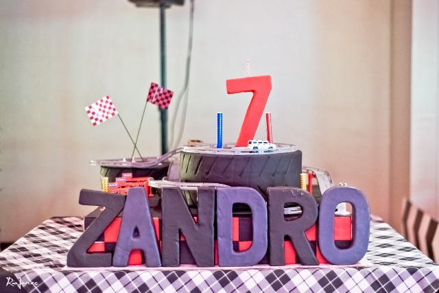 race car theme party cake (3)