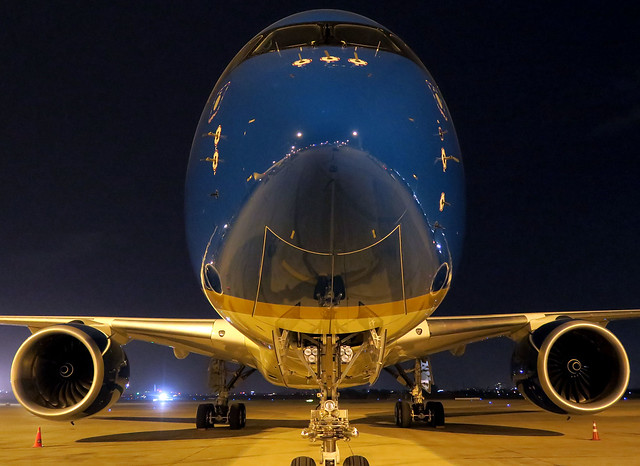 Vietnam Airlines A350-900 VN-A893 resting at SGN/VVTS