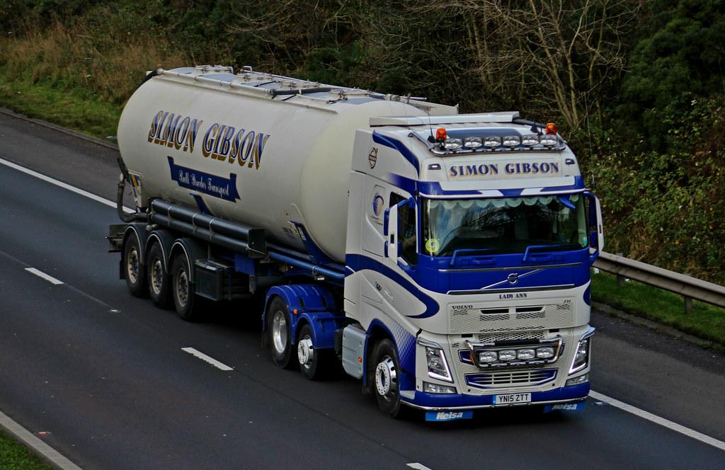 e4fee07f681f ... Simon Gibson Bulk Powder Transport Volvo FH 500 6 X 2 YN15ZTT