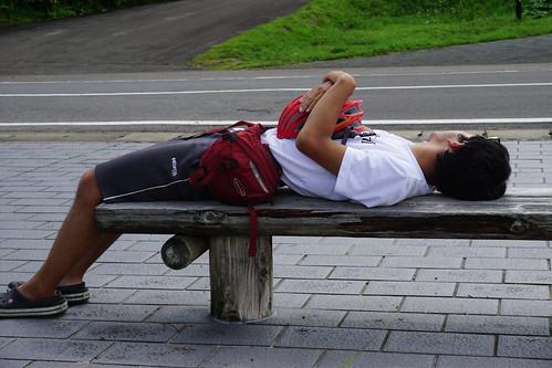 八幡平の登りで先に行って昼寝してたマヨ氏