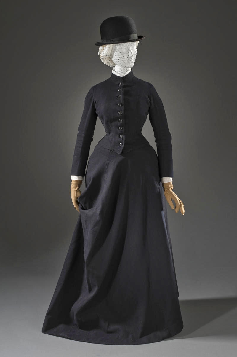 1890 Three-piece Riding Habit. Wool twill, full finish