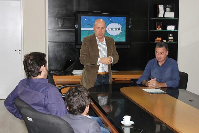 Mesa diretora da Câmara Vereadores de Florianópolis recebe dirigentes da ACAERT