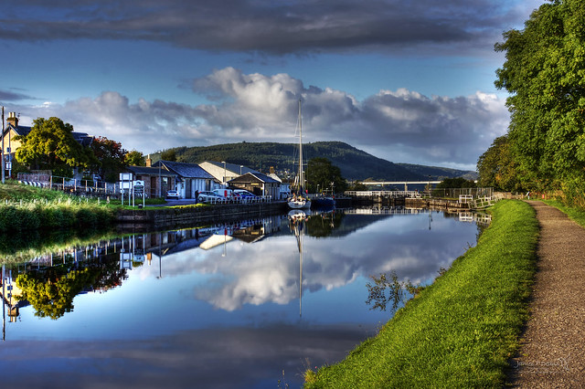 Caledonian Canal Inverness 16 September 2017 34.jpg