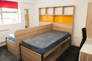 The Houses Permanent Twin Room – Refurbished