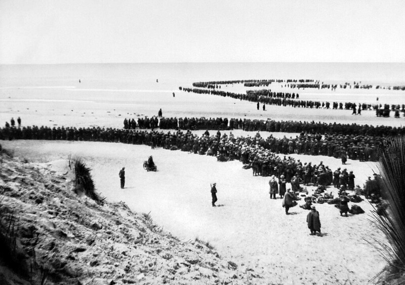 Dunkirk 26-29 May 1940 British troops line up on the beach at Dunkirk to await evacuation