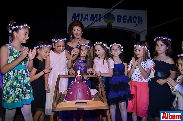 Ezo doğum günü- Mimai Beach-6