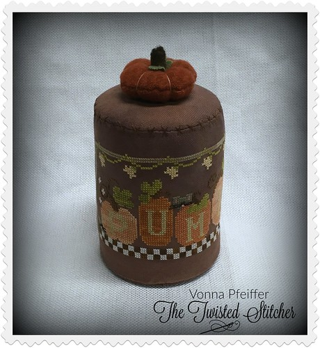 Little House Needleworks Pumpkins 4 Sale