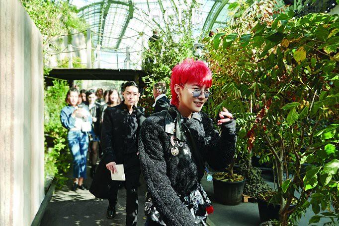 BIGBANG via _BBmusic - 2017-10-22 (details see below)