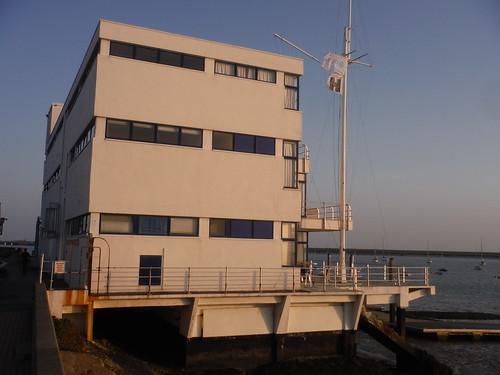 The Royal Corinthian Yacht Club (Grade II*), Sideview